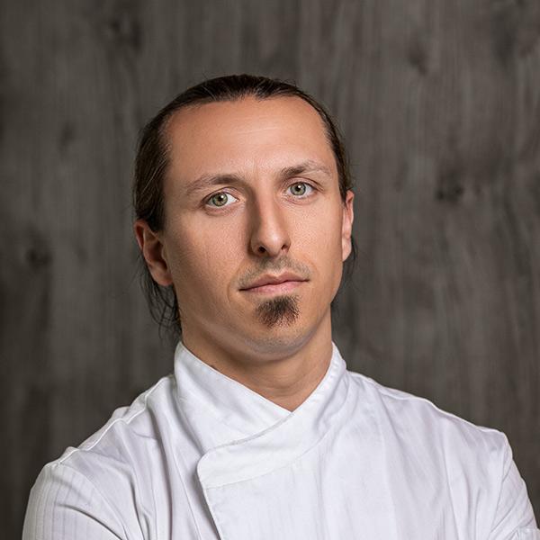 Alexander Dellin Mountain Hub Social Dining